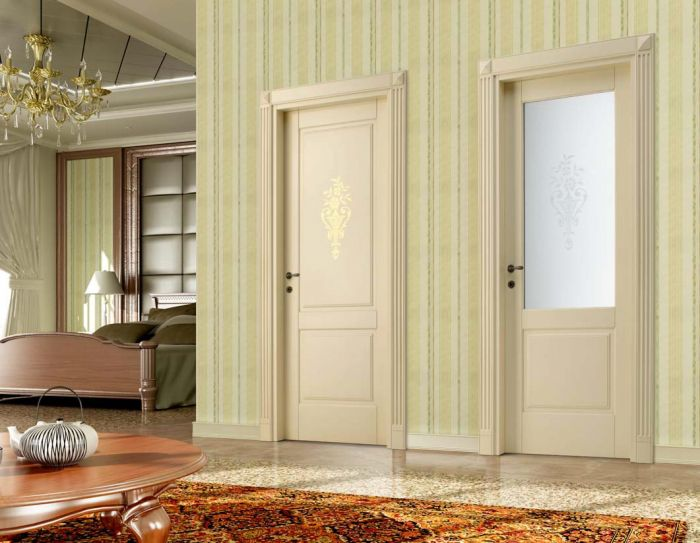 Porte in legno classiche per interni porte interne in for Case classiche interni
