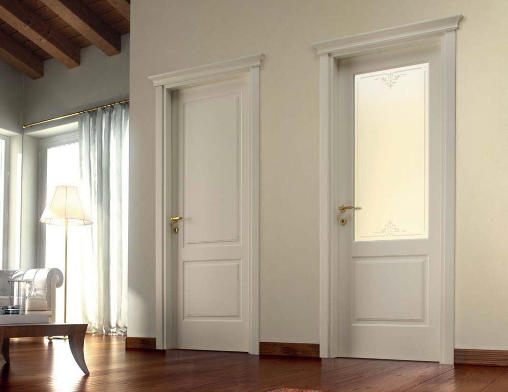 Porte classiche in legno laccato e vetro satinato bianco  D2A