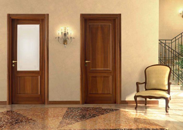 Porte in legno classiche per interni porte interne in for Interni case classiche