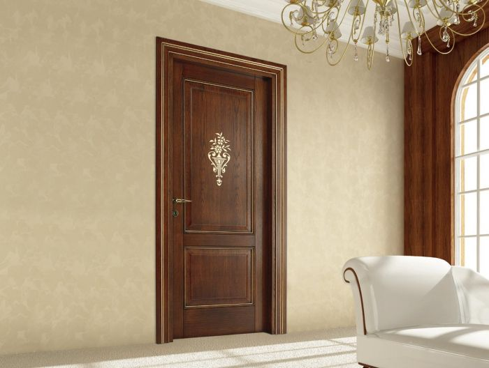 Porte in legno classiche per interni porte interne in for Interni case classiche